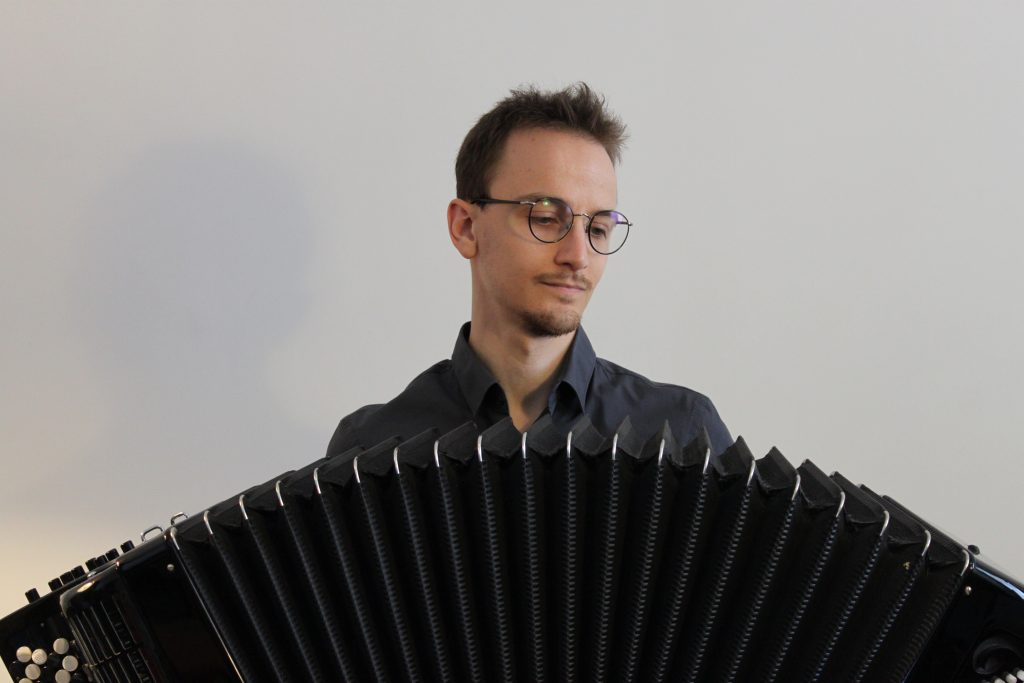 Luca Pignata bellows accordion